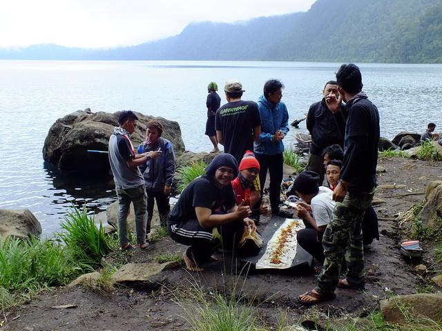 Pesona Indahnya Danau Gunung Tujuh, Tertinggi di Asia Tenggara