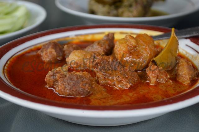 Cancang daging di Rumah makan Gulai Itiak Lado Mudo Ngarai Sianok