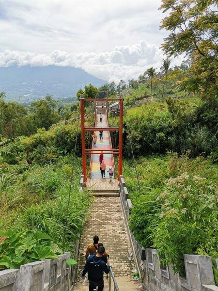 jembatan pelangi sajuta janjang singgalang