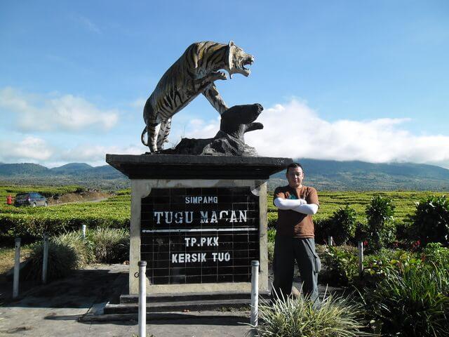 Gunung Kerinci tugu macan